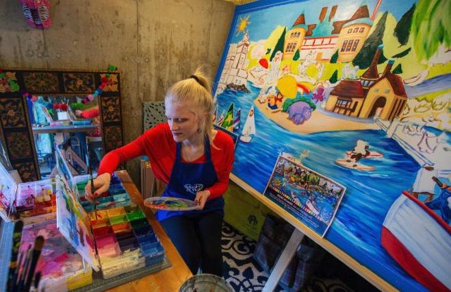 Liz Schaefer at her home studio courtesy of Newsday