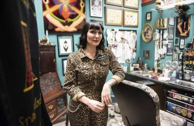 K Lenore Siner in her studio, by Ryan McBride